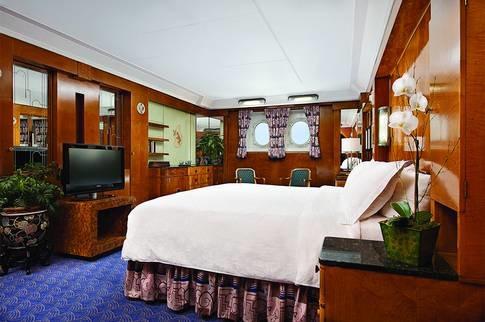 Queen Marys Lyxiga rum i modern hotellstil